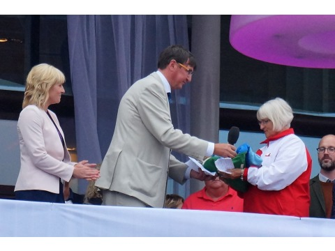 IIGA Chairman hands over the Games Flag to Gibraltar